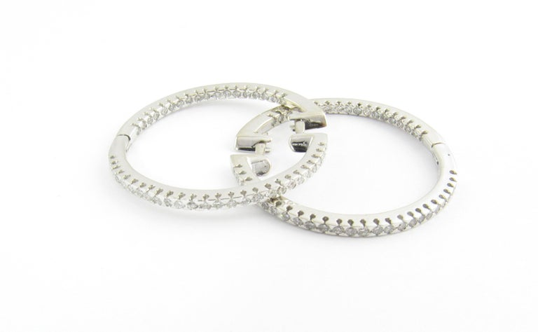 14 Karat White Gold Diamond Hoop Earrings In Good Condition For Sale In Washington Plaza, CT