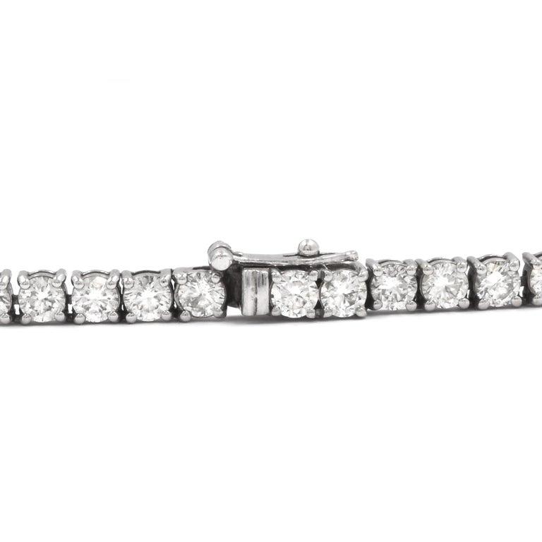 14 Karat White Gold Diamond Inline Tennis Necklce In Excellent Condition For Sale In Scottsdale, AZ