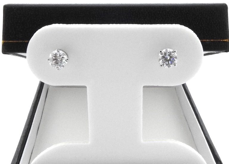 Round Cut 14 Karat White Gold Diamond Stud Earrings 1.0 Carat For Sale