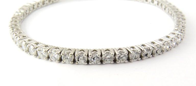 Round Cut 14 Karat White Gold Diamond Tennis Bracelet 5.5 Carat For Sale