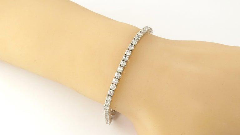 14 Karat White Gold Diamond Tennis Bracelet 5.5 Carat For Sale 3