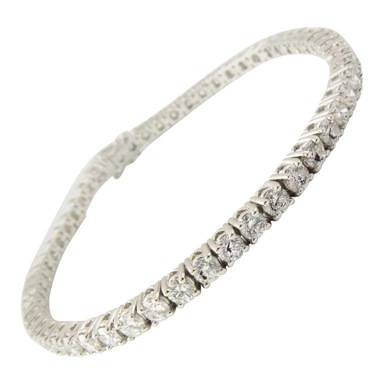 14 Karat White Gold Diamond Tennis Bracelet 5.5 Carat For Sale