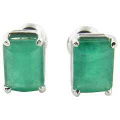 14 Karat White Gold Emerald Earrings