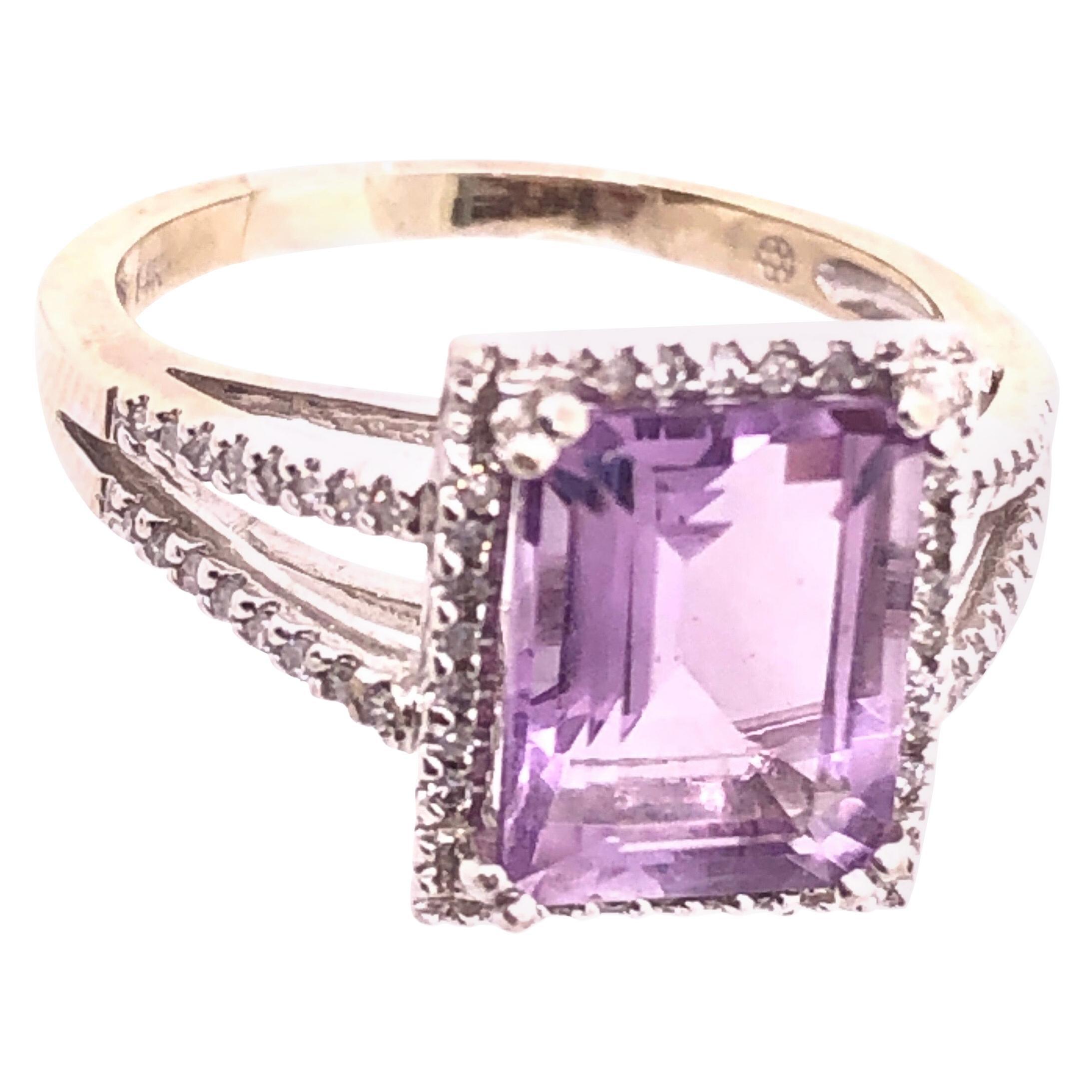 14 Karat White Gold Fashion Amethyst Ring with Diamonds