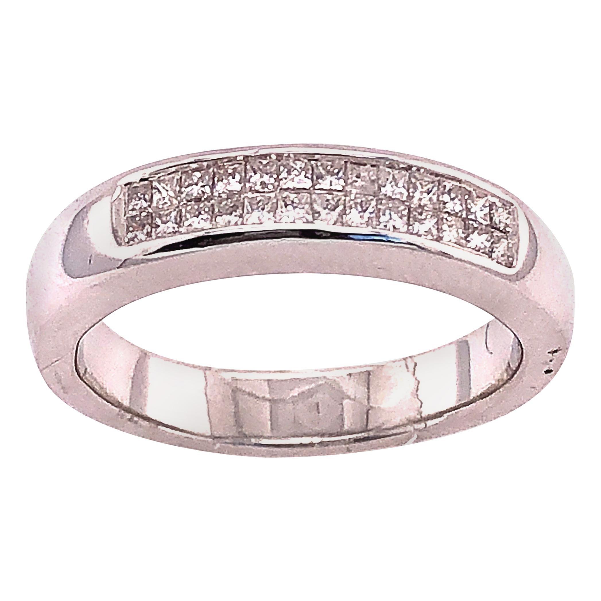 14 Karat White Gold Fashion Ring with Diamonds