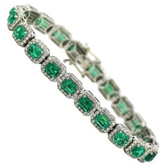 14 Karat White Gold Ladies Bracelet with Natural Emeralds and Diamonds