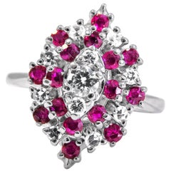 14 Karat White Gold Ladies Ring Whit Diamond and Ruby