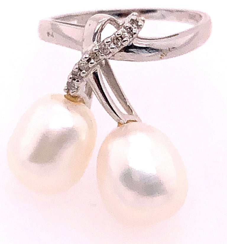 Modern 14 Karat White Gold Pearl and Diamond Freeform Ring For Sale