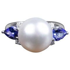 14 Karat White Gold South Sea Pearl Fashion Ring