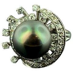 14 Karat White Gold Tahitian Pearl and Diamond Ring