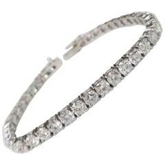 14 Karat White Gold Tennis Bracelet with 39 Round Diamonds 13.81 Carat