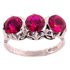 14 Karat White Gold Three-Stone Ruby Ring Stamped Schiller