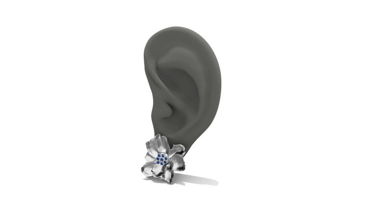 14 Karat White Gold Wild Flower Earrings with Sapphires In New Condition For Sale In New York, NY