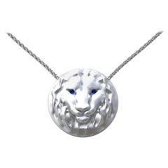 14 Karat White Gold Women's Pendant Necklace Leo Lion with Sapphire Eyes