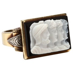 14 Karat Yellow and White Gold Sardonyx Roman Soldier Cameo Ring, circa 1940