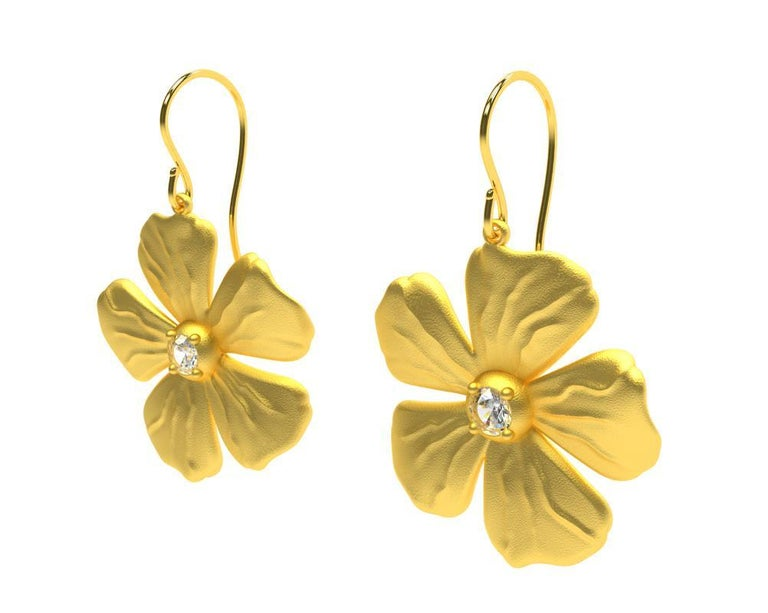14 Karat Yellow Gia Diamond Periwinkle Flower Earrings, Tiffany designer, Thomas Kurilla sculpted these for 1stdibs. The periwinkle , a simple and elegant flower accented with a diamond center. Diamonds are  GIA -3.5 mm , .32 ct wt. , H  ,VS1 . The