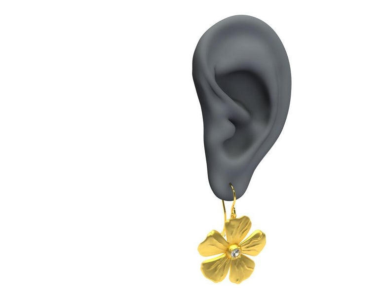 14 Karat Yellow Gia Diamond Periwinkle Flower Earrings In New Condition For Sale In New York, NY