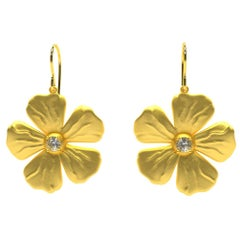 14 Karat Yellow Gia Diamond Periwinkle Flower Earrings