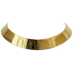 14 Karat Yellow Gold 135g Solid Heavy Flat Omega Link Collar Necklace, Italy