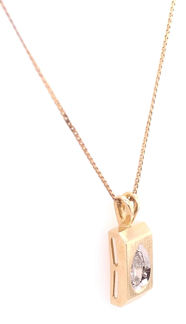 14 Karat Yellow Gold Pendant Necklace In Good Condition For Sale In Stamford, CT