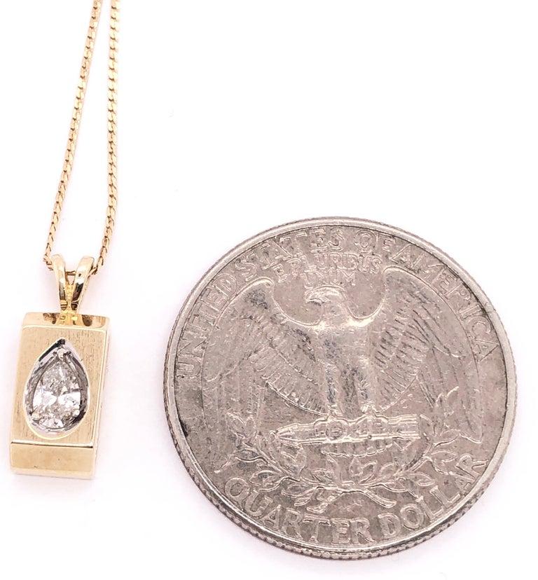 14 Karat Yellow Gold Pendant Necklace For Sale 1