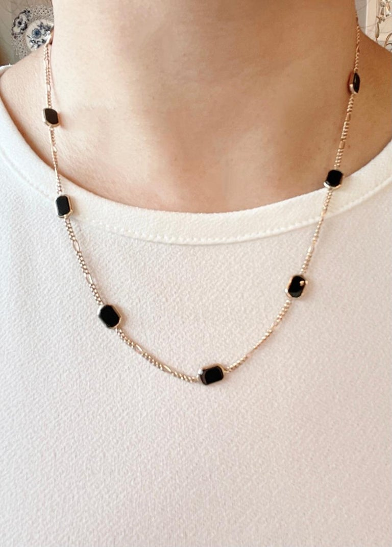 14 Karat Yellow Gold Black Onyx Figaro Necklace In Good Condition For Sale In Stamford, CT
