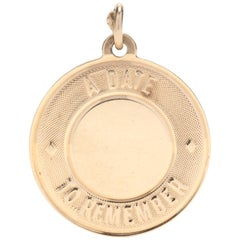 14 Karat Yellow Gold 'A Date To Remember' Round Charm or Pendant