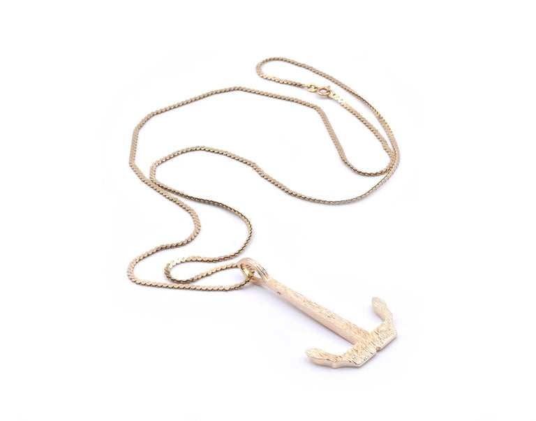 14 Karat Yellow Gold Anchor Necklace In Excellent Condition For Sale In Scottsdale, AZ