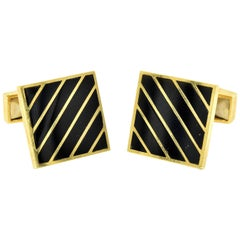 14 Karat Yellow Gold and Black Onyx Toggle Cufflinks 14.03 Grams