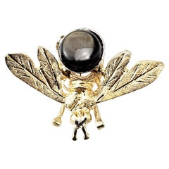 14 Karat Yellow Gold and Black Star Sapphire Bee Brooch/Pin