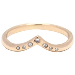 14 Karat Yellow Gold and Diamond Curved V Ring