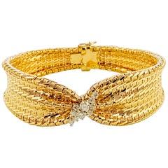 14 Karat Yellow Gold and Diamond Midcentury Tapered Mesh Bracelet