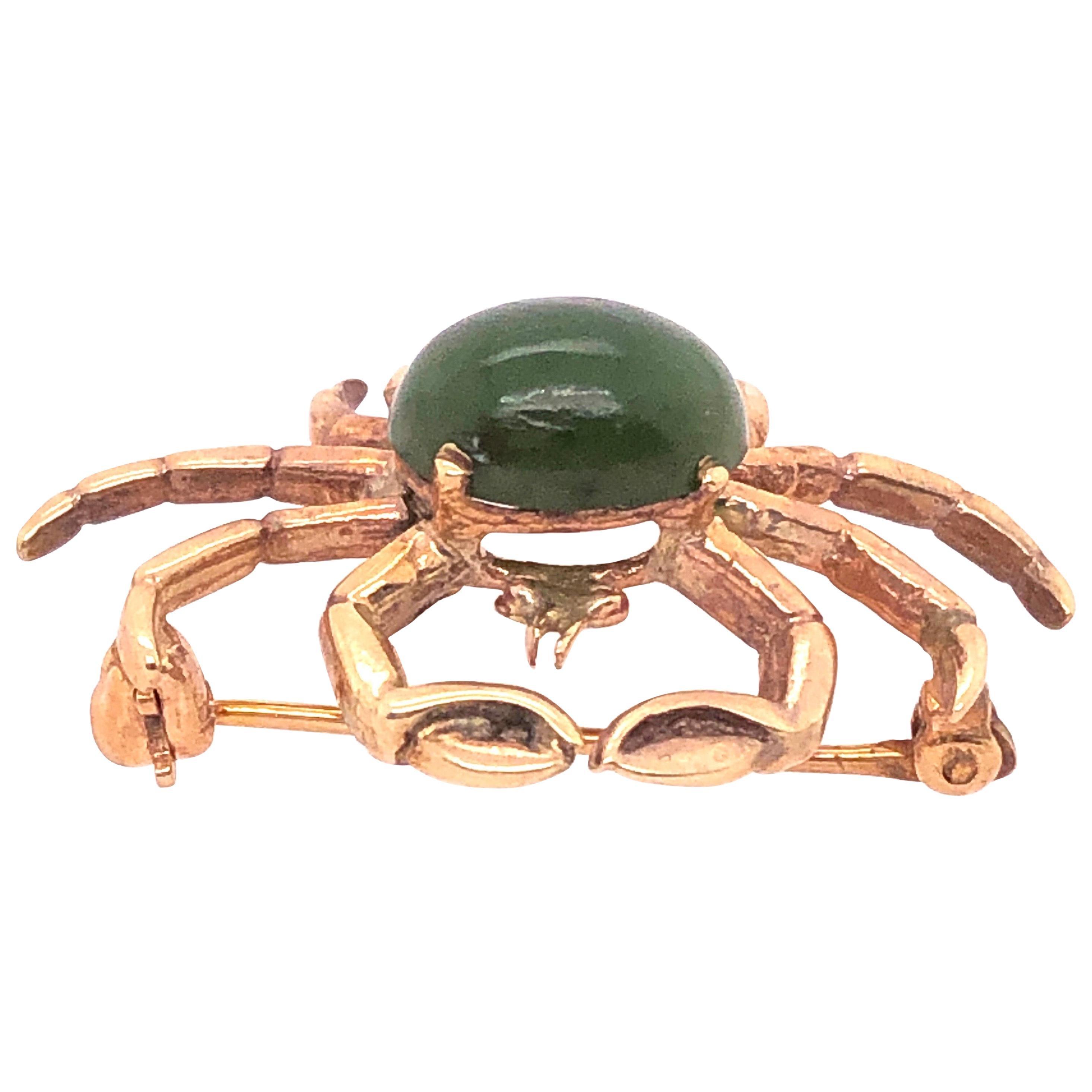 14 Karat Yellow Gold and Emerald Cabochon Crab Brooch / Pin