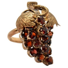 14 Karat Yellow Gold and Garnet Grape Bunch Fashion Ring