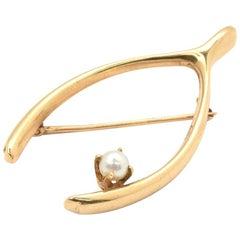 14 Karat Yellow Gold and Pearl Wishbone Brooch Pin 5.56 Grams