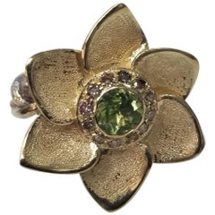 14 Karat Yellow Gold and Silver Gresha Signature Bark Peridot and Diamond Ring