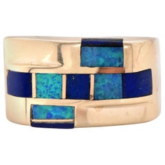 14 Karat Yellow Gold Black Mother of Pearl and Lapis Ring
