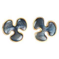 14 Karat Yellow Gold Black Mother of Pearl Stud Earrings