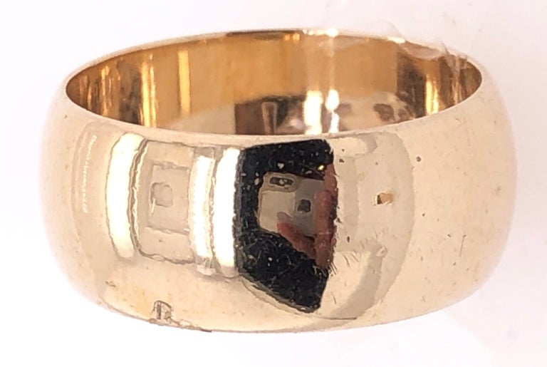 14 Karat Yellow Gold Bridal Ring / Wide Wedding Band In Good Condition For Sale In Stamford, CT
