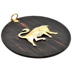 14 Karat Yellow Gold Bull on Circle Stone Pendant 12.2 Grams