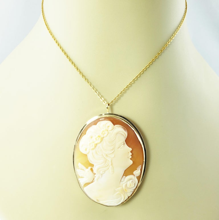 14 Karat Yellow Gold Cameo Brooch/Pendant For Sale 3