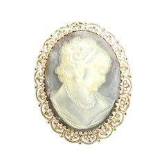 14 Karat Yellow Gold Cameo Brooch / Pendant
