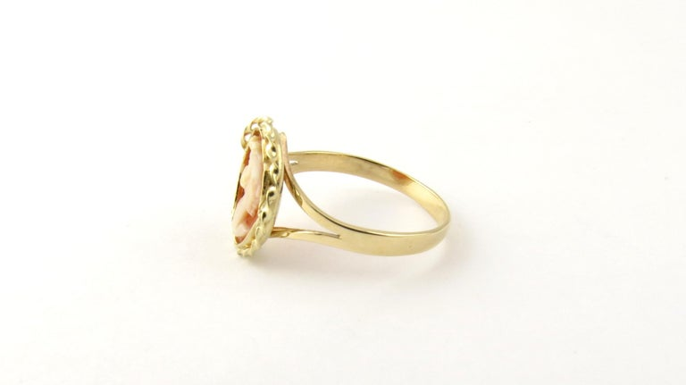 14 Karat Yellow Gold Cameo Ring In Good Condition In New Milford, CT