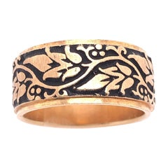 14 Karat Yellow Gold Continuous Etched Floral Wedding Band / Wedding Ring
