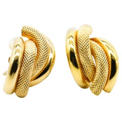 14 Karat Yellow Gold Crossover Stud Earrings for Casual Wear in Stock
