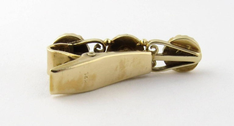 14 Karat Yellow Gold Diamond and Sapphire Tie Clip In Good Condition For Sale In Greenwich, CT
