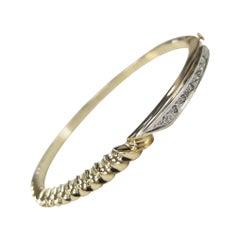 14 Karat Yellow Gold Diamond Bangle with Scallop Design