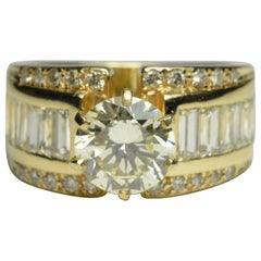14 Karat Yellow Gold Diamond Estate Ring 3.21 Carat