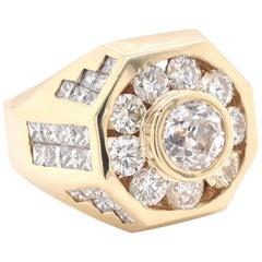 14 Karat Yellow Gold Diamond Fashion Ring