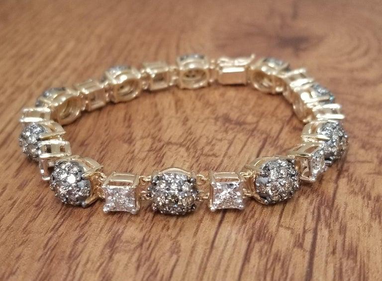 Artisan 14 Karat Yellow Gold Diamond Link Bracelet with White and Conac Brown Diamonds For Sale